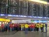 die-dissonanten-tanten_chorwanderung_airportsinging3